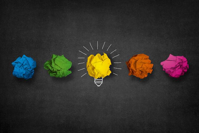Písanie článkov prispieva mimoiného aj k rozvoju kreativity.